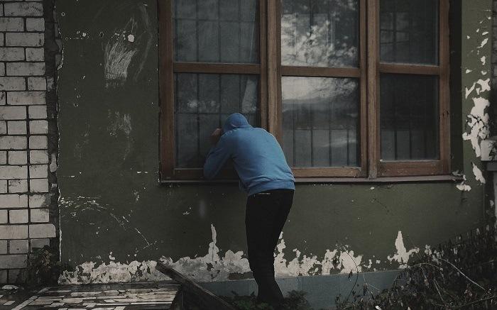 Allarmi per finestre ideali per respingere intrusioni in - Allarmi per casa ...